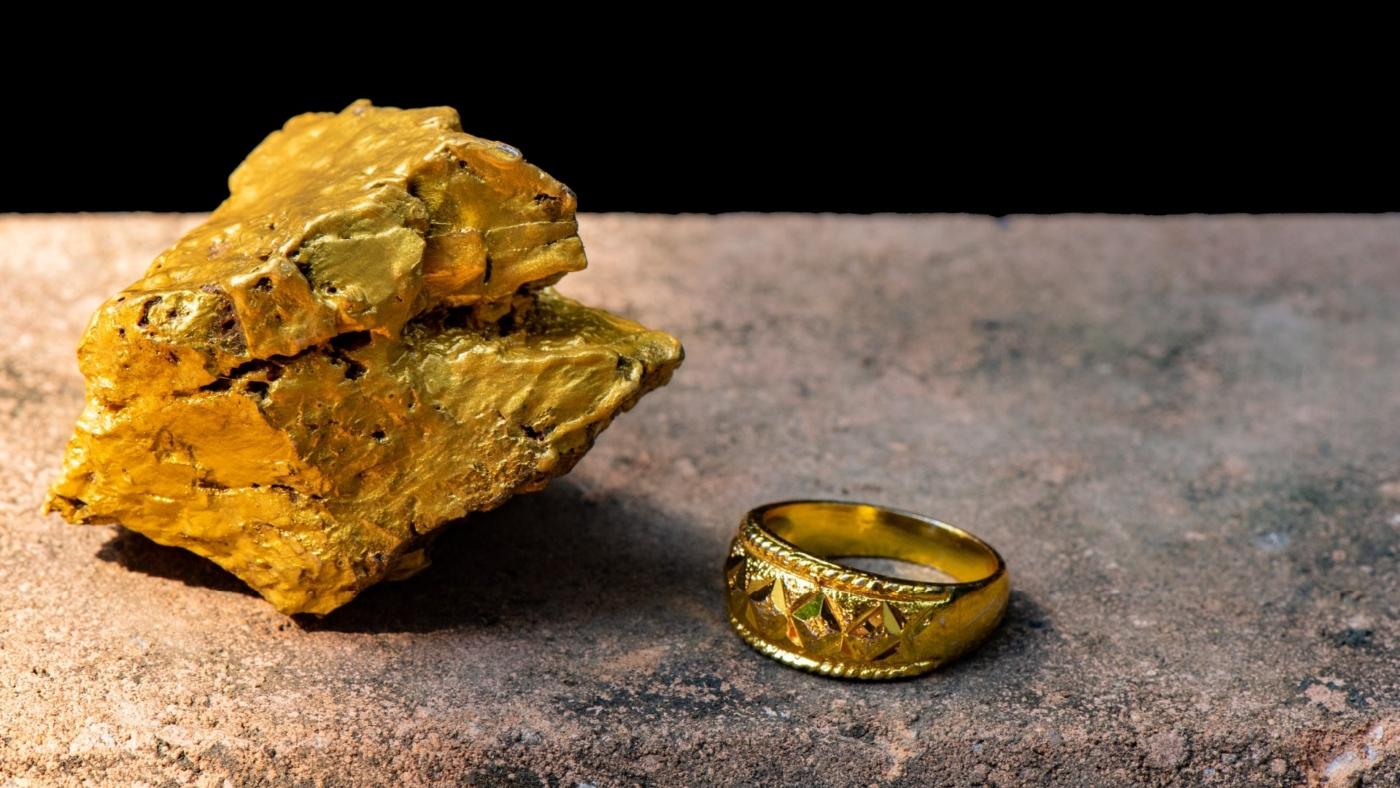 industriegold-und-industrielle-edelmetalle-gold-nugget-und-goldring